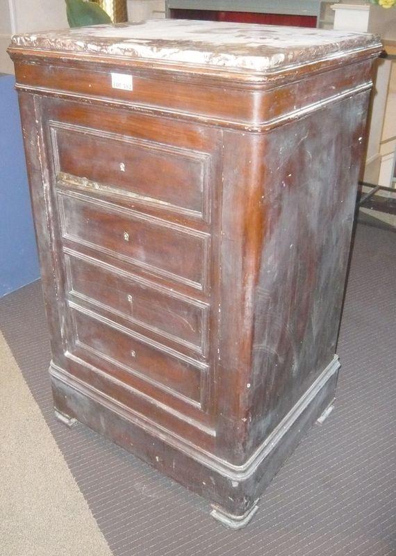 coffre fort dans un habillage en bois facon meuble a 4. Black Bedroom Furniture Sets. Home Design Ideas