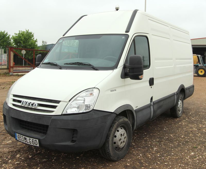 FOURGON IVECO DAILY 35S12 2.3 HPI  2007