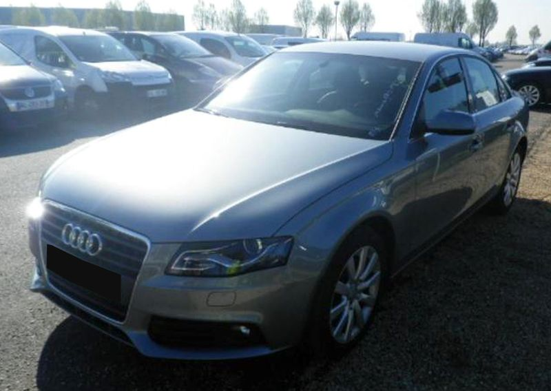 VOITURE AUDI A4 2.0 TDI 143 DPF MULTITRONIC AMBITION LUXE 2010