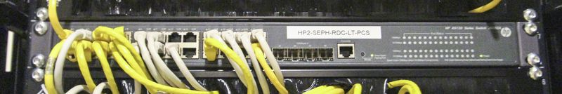 4 SWITCHS 24 PORTS DE MARQUE HP MODELE A5120 SI.