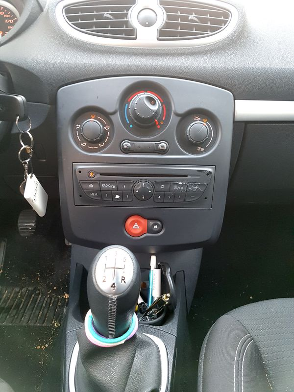 VOITURE RENAULT CLIO III 1.5 DCI 68CV PHASE 2 2009