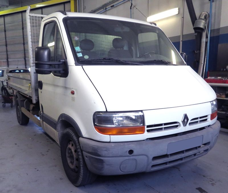 CAMION BENNE RENAULT MASTER II T35 2.2 DCI T35 BENNE 2001